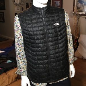 The North Face Men's Black ThermoBall Eco Vest